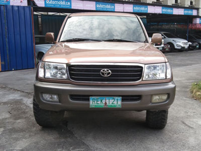 1999 Toyota Land Cruiser - Front View