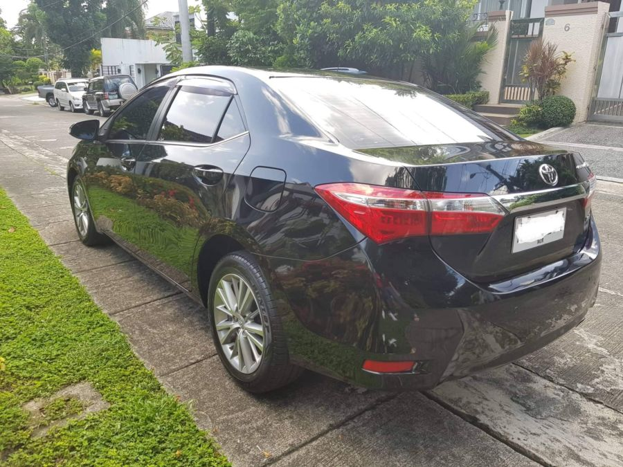 2015 Toyota Corolla Altis G - Right View