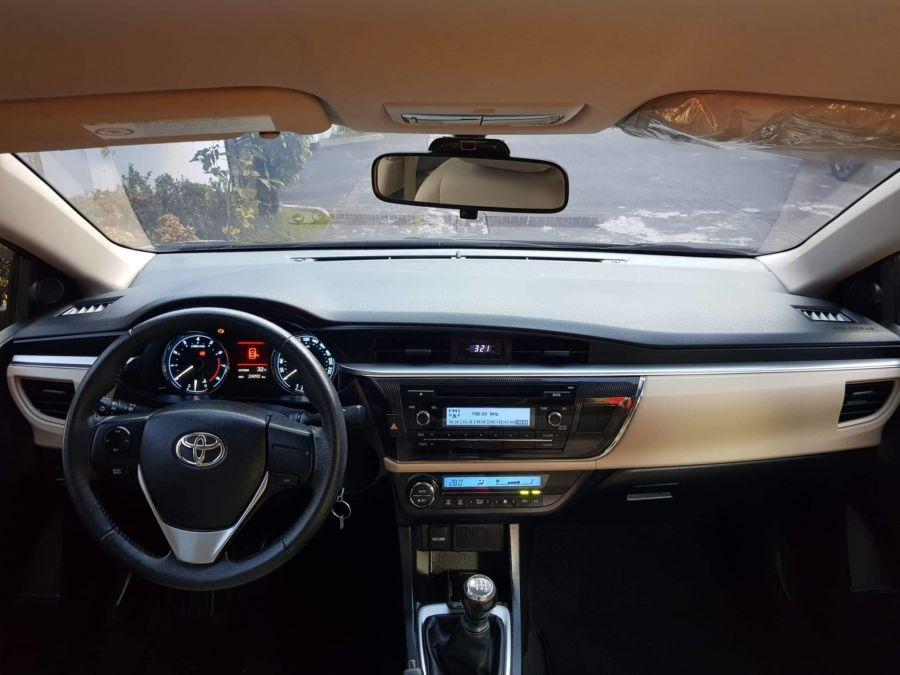2015 Toyota Corolla Altis G - Interior Front View