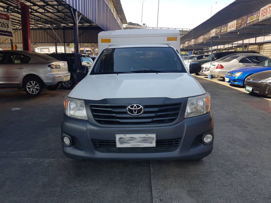 2014 Toyota Hilux FX - Front View
