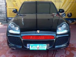 2005 Porsche Cayenne Turbo - Front View