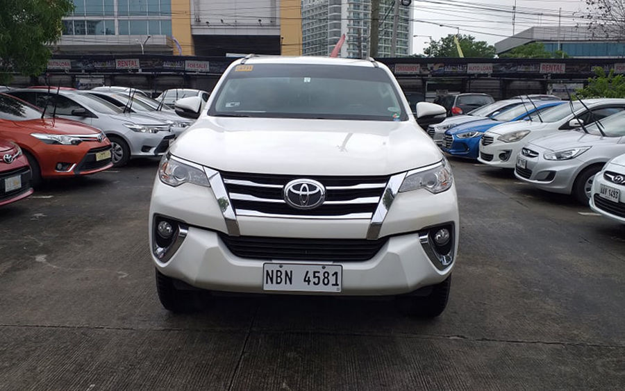2017 Toyota fortuner G - Front View