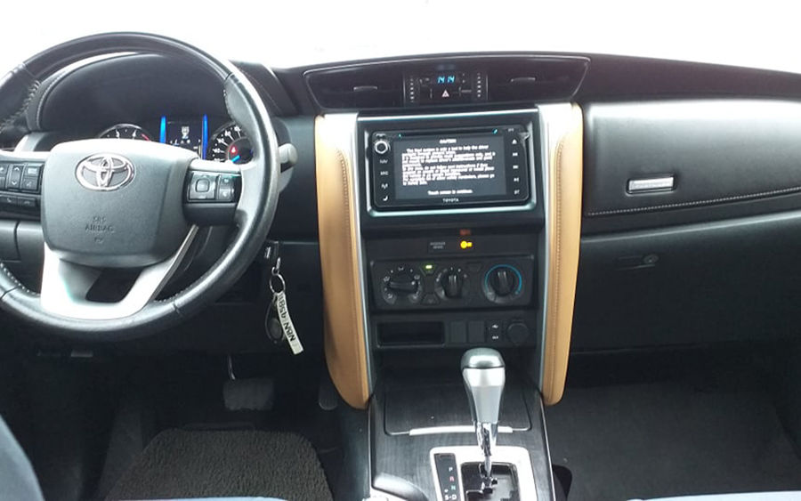 2017 Toyota fortuner G - Interior Front View