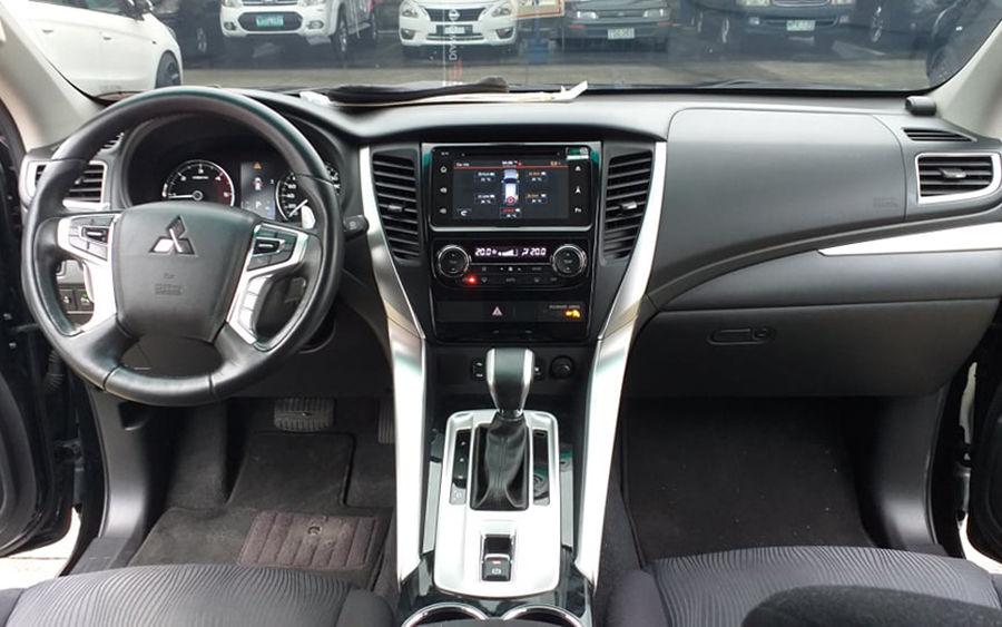 2017 Mitsubishi Montero Sport GLS - Interior Front View