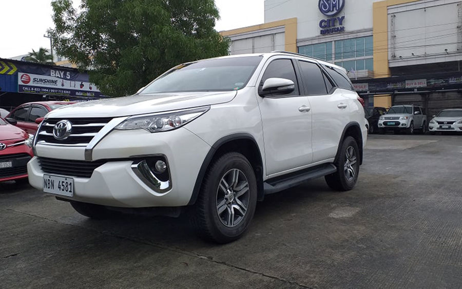 2017 Toyota fortuner G - Left View