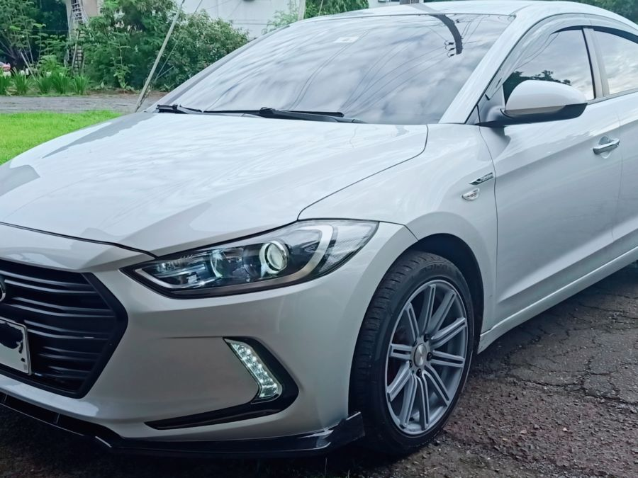 2020 Hyundai Elantra - Front View