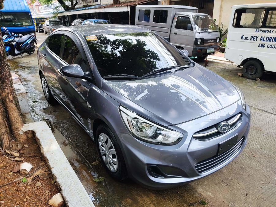 2018 Hyundai Accent - Right View