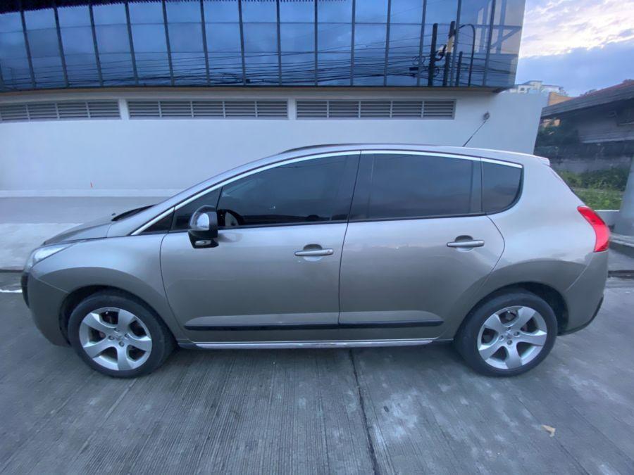 2012 Peugeot 3008 - Left View