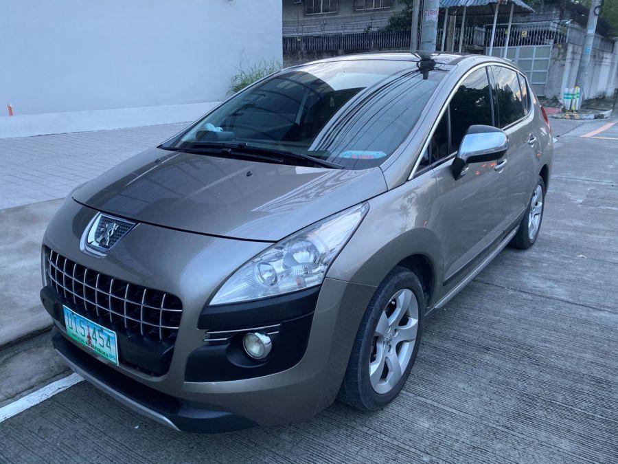 2012 Peugeot 3008 - Front View