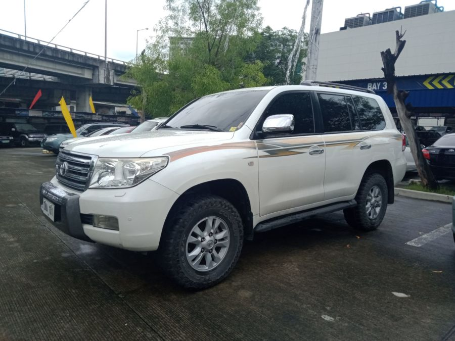 2008 Toyota Land Cruiser - Right View