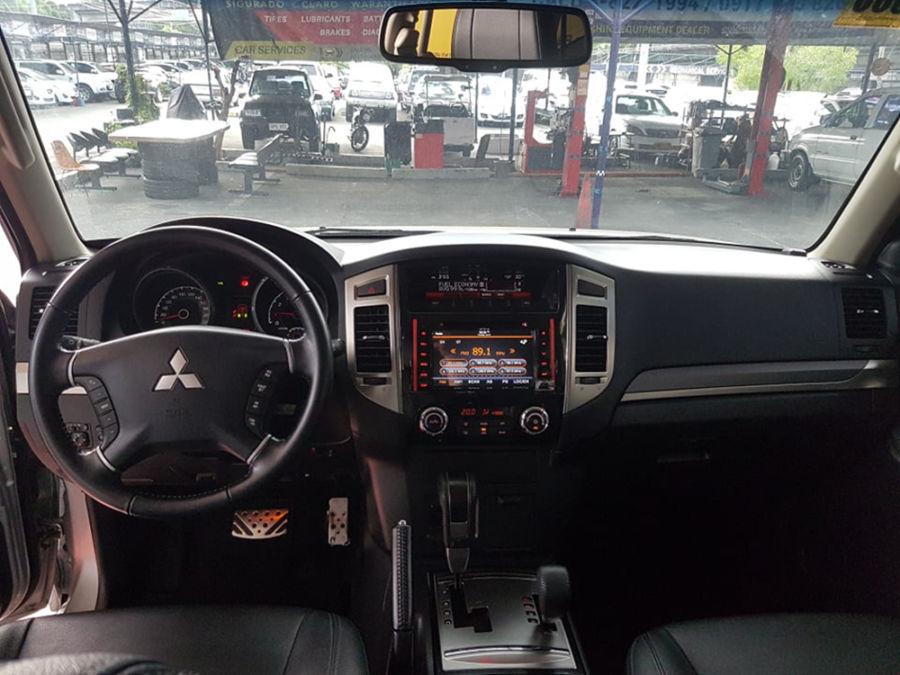 2018 Mitsubishi Pajero - Interior Front View