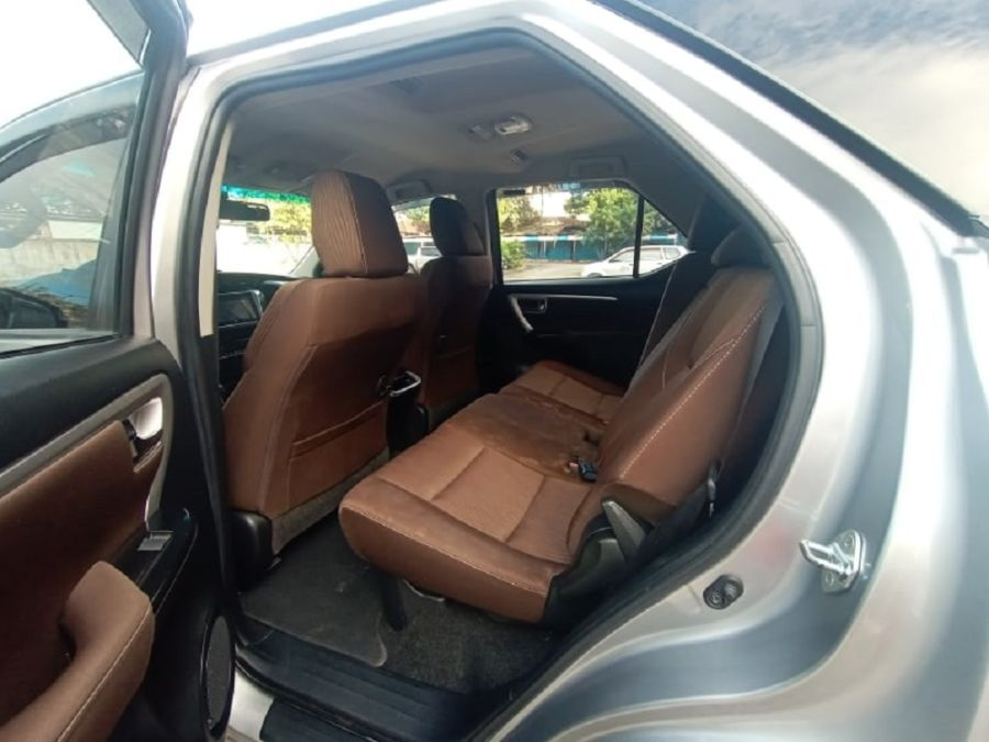 2018 Toyota fortuner G - Interior Front View