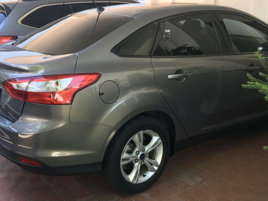 2013 Ford Focus - Right View