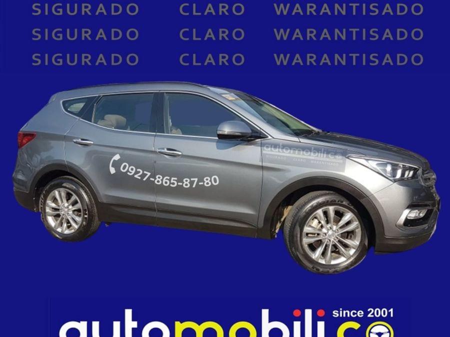 2019 Hyundai Santa Fe CRDi - Right View