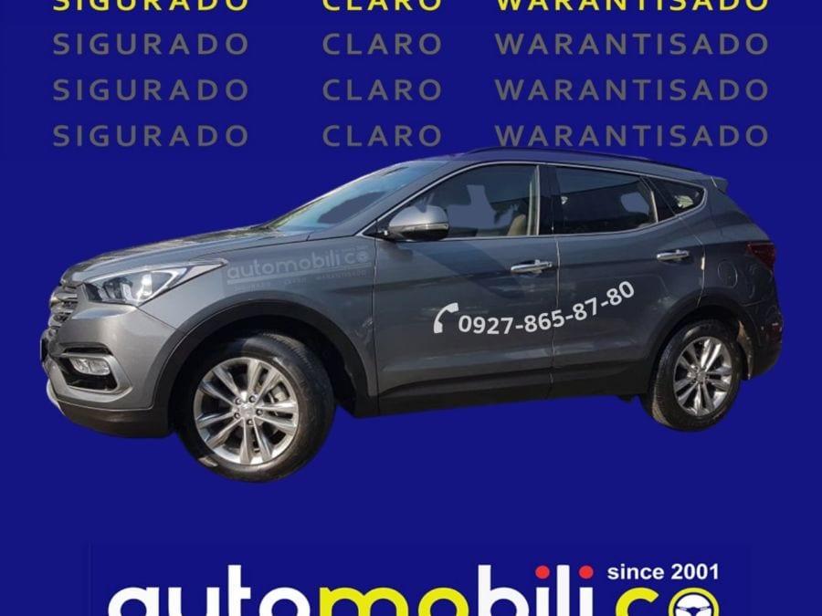 2019 Hyundai Santa Fe CRDi - Left View