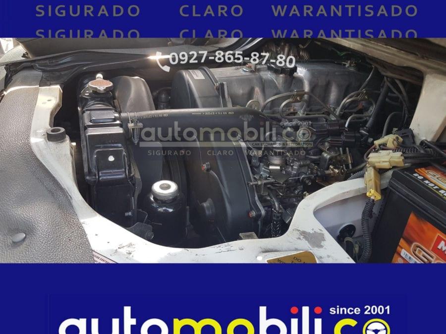 2016 Mitsubishi L300 - Interior Rear View
