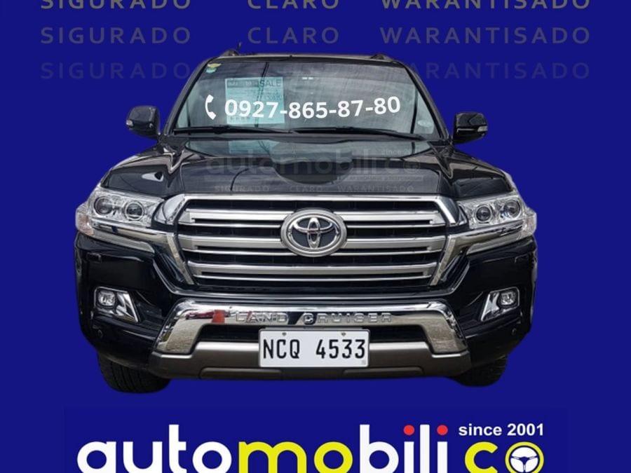 2018 Toyota Land Cruiser VX - Front View