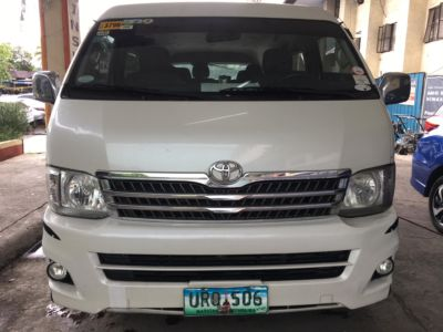 2013 Toyota Grand Hiace - Front View