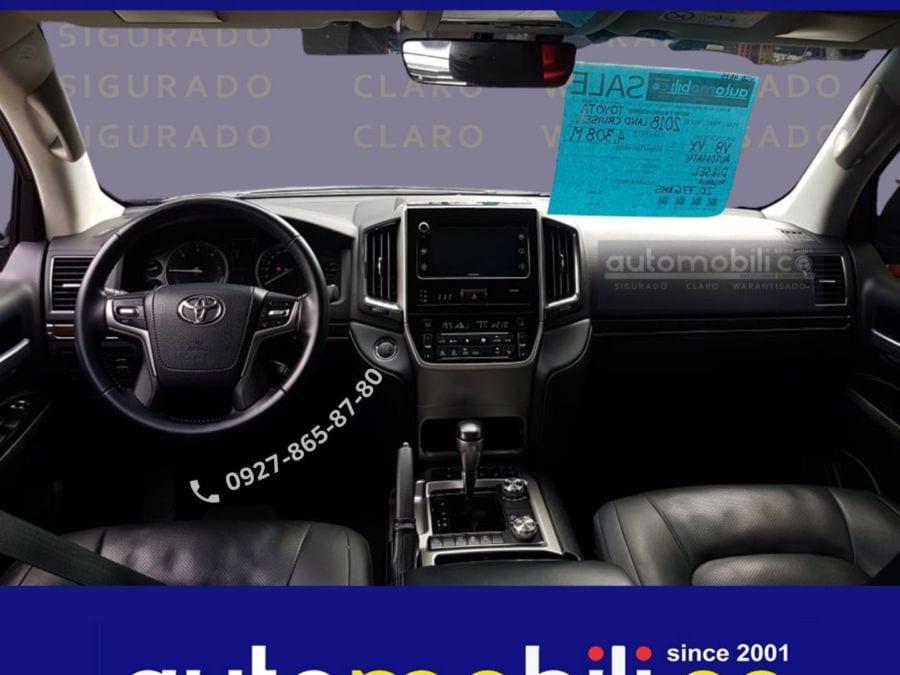2018 Toyota Land Cruiser VX - Interior Front View