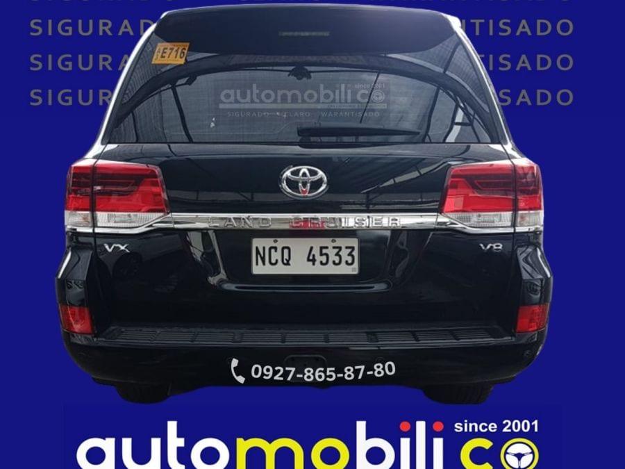 2018 Toyota Land Cruiser VX - Rear View